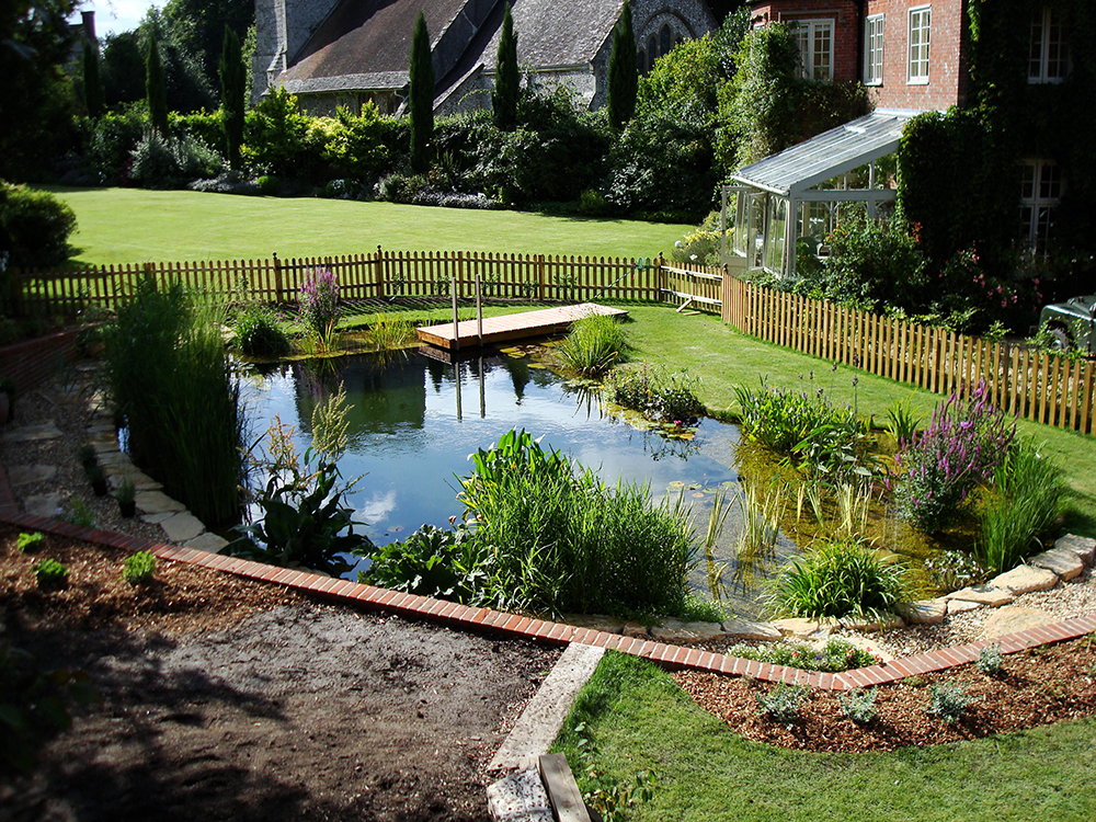 Natural swimming pools warwickshire swimming pond design for Water pond design