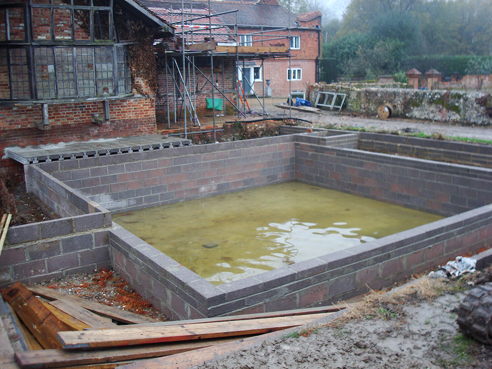 Natural swimming pools warwickshire swimming pond design Environmentally sustainable swimming pools